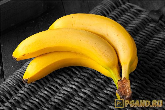 zheltyie-bananyi-na-cherno-belom-fone